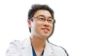 医師 青島 朋裕